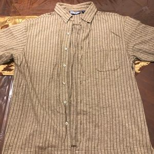 Men's button up short sleeve shirt